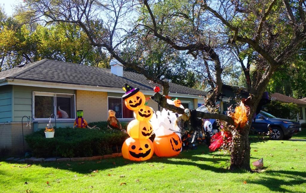 Halloween in den USA - Geschmückte Häuser