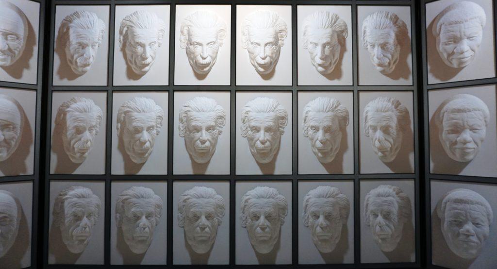 """Puzzling World - Albert Einstein in der """"Hall of Following Faces"""""""