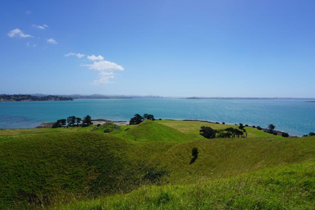 Aucklands Innenstadt von Browns Island aus