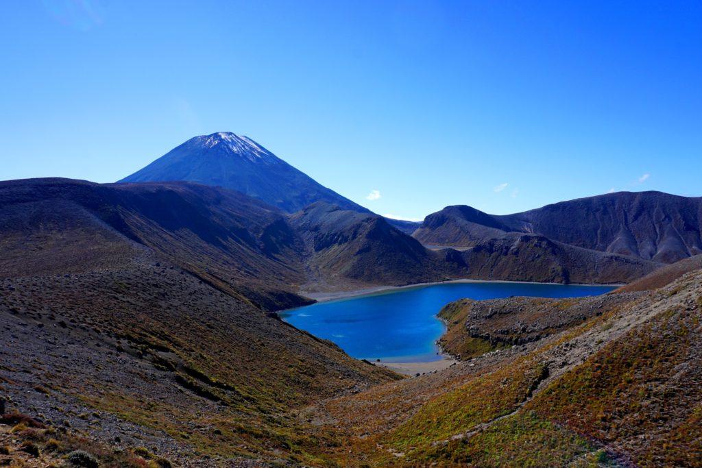 Wanderung zu den Tama Lakes: Upper Tama Lake mit Mt Ngauruhoe