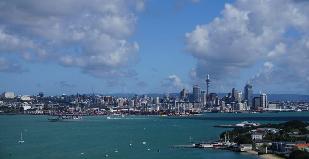 Kriegsschiff verlässt Auckland