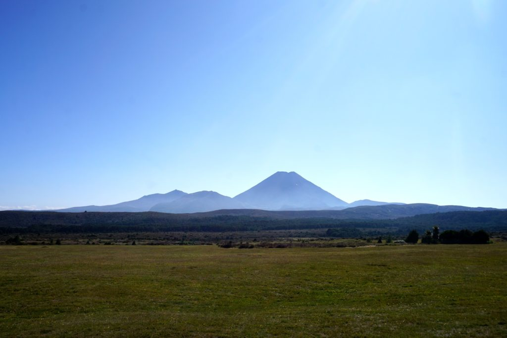 Mt Ngauruhoe und Mt Tongariro im Morgenlicht
