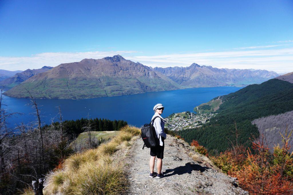 Blick von Bob's Peak auf Lake Wakatipu und Cecil Peak