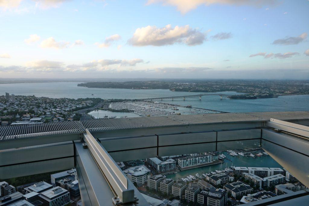 Blick über den Westhaven und die Harbour Bridge