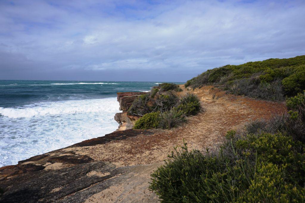 Schlecht Wetter droht und bringt große Wellen mit sich